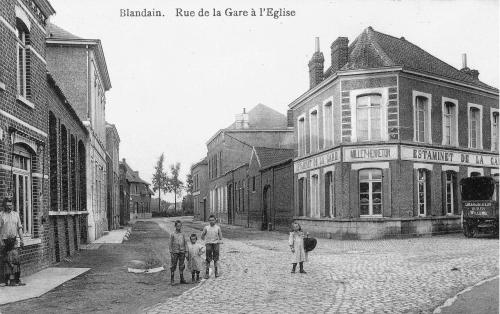 BLANDAIN - Rue de la gare à l'église - Êdit. J. Millet Delroeux Blandain - Oblitération 1911 - Coordonnées GPS • Nord : 50 37 21 • Est : 3 18 00