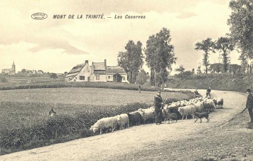MONT-SAINT-AUBERT - les Casernes, édit. Fontaine-Mouton, restaurant de la Blanche à Mont-Saint-Aubert - oblitération 14 6 1913 - Coordonnées GPS • Nord : 50 38 56 • Est : 3 24 16