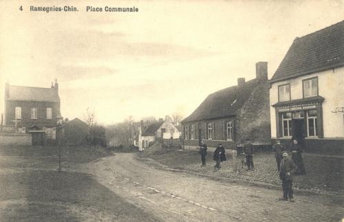 RAMEGNIES-CHIN - place communale - édit. N. Laflotte Bruxelles - oblitération 17 5 1910 - Coordonnées GPS • Nord : 50 39 04 • Est : 3 20 08